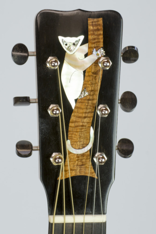 David Dart Madagascar Rosewood & Spruce 00-14 Lemur peghead inlay (mother-of-pearl, abalone, koa, & ebony)