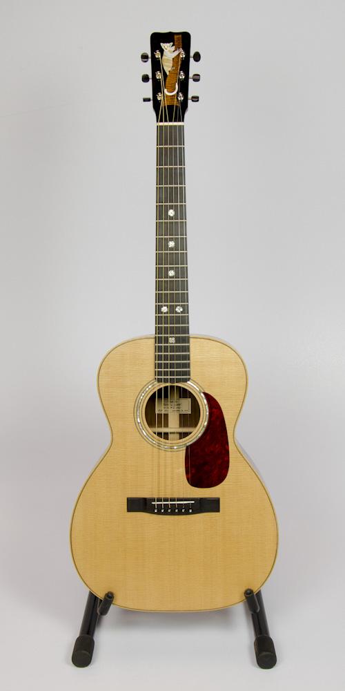 Madagascar Rosewood 00-14 guitar